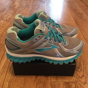 Brooks GTS 16 Women's Running Shoes Size 8.5